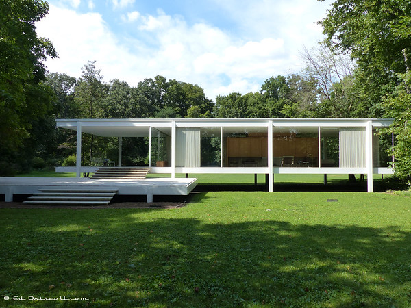 The Farnsworth House: An Illustrated Look at Mies van der Rohe's ...